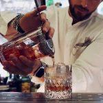 negroni bartender. bancone. cocktail.drink