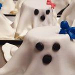 Halloween è paura ma anche dolcezza. Le idee di Aurora per dei dolcetti paurosi e buonissimi: fantasmini, ragnetti e...